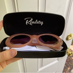 Reality Festival of Summer Oval Pink Sunglasses